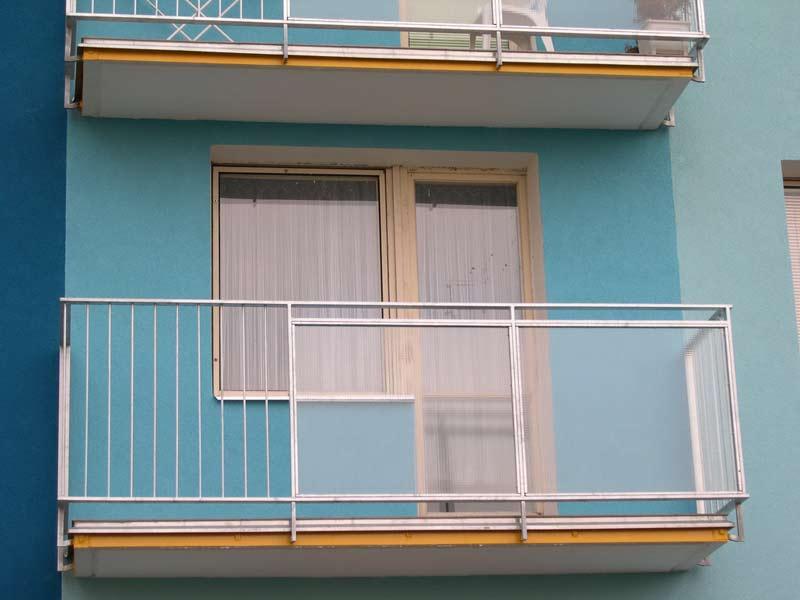 balkony.02.jpg
